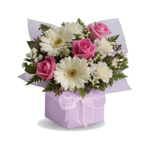 Sweet thoughts A60 Petite Box Pastel Arrangement