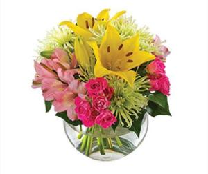 Zoe  SA164 - Vibrant Bouquet of flowers in a Fishbowl Vase